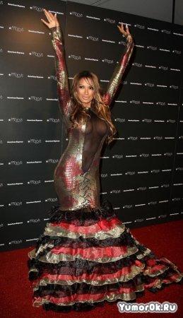 Супер платье у Traci Bingham