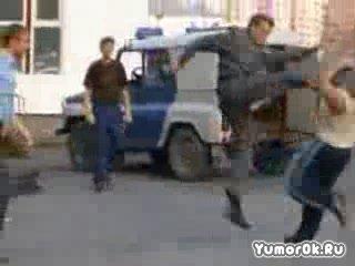 Милиция против хулигана