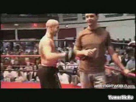 Кикбоксер против зрителей