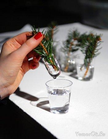 Новогодние елки из подручного материала