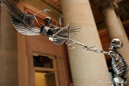 Скульптуры из скелетов