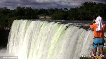 Байдарочник установил мировой рекорд по прыжкам с водопада