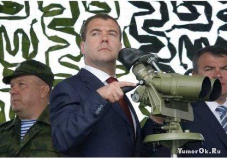 Медведев стал снайпером