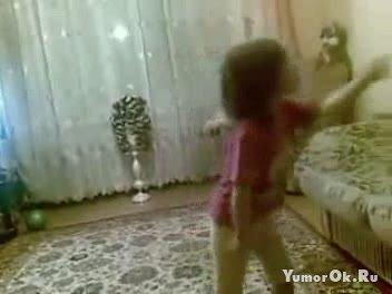 Строгая девочка