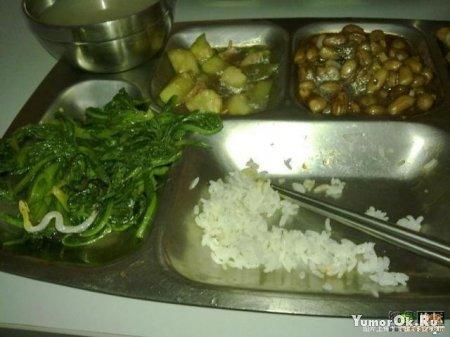 В китайской столовой