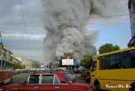 Пожар на рынке Славянка в Днепропетровске