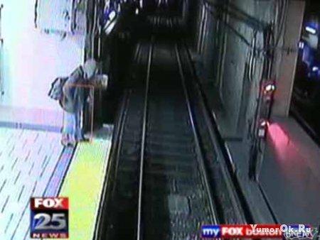 Пьяница в метро