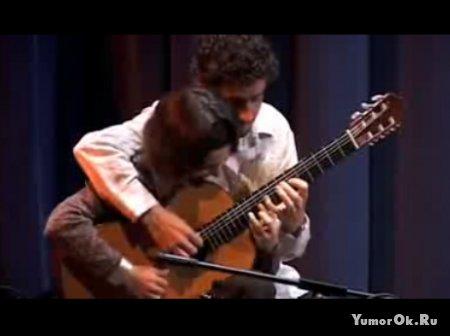 Четыре руки на одной гитаре
