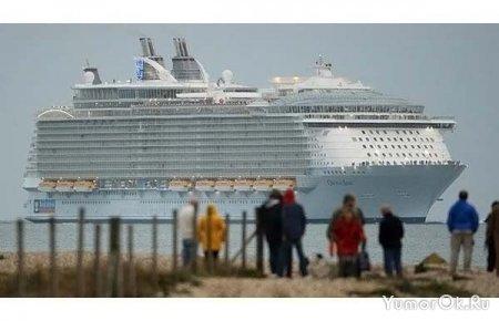 Огромный кораблик