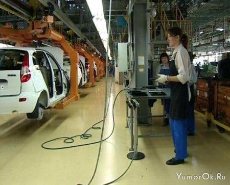 Девушки на автомобильных заводах